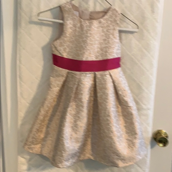 Special Editions Other - Girl's gold brocade dress with lining. 5